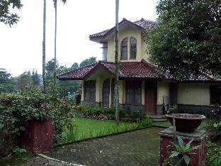 3BR 2 Superior Villa at Ciater Highland Block Karera Bandung