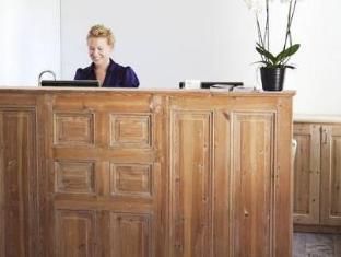 Hotel Hellstens Malmgard Stockholm - Reception