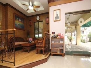 Omni Suites Aparts-Hotel Bangkok - Main Entrance to Lobby