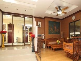 Omni Suites Aparts-Hotel Bangkok - Entrance to building