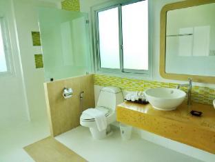 Bussaba Bangkok Suvarnabhumi Airport Hotel Bangkok - Double Deluxe Bathroom