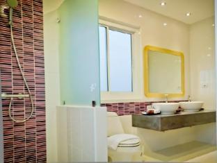 Bussaba Bangkok Suvarnabhumi Airport Hotel Bangkok - Triple Standard Bathroom