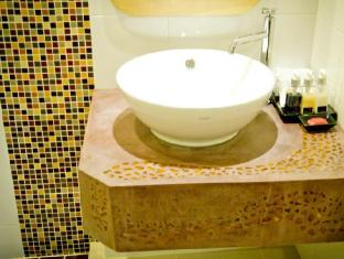 Bussaba Bangkok Suvarnabhumi Airport Hotel Bangkok - Twin Standard Bathroom