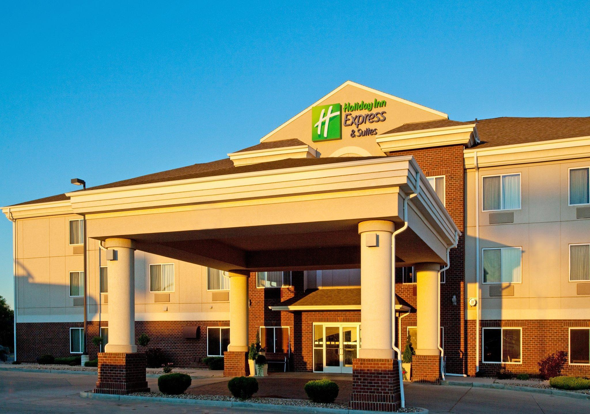 Holiday Inn Express Hotel And Suites Dickinson