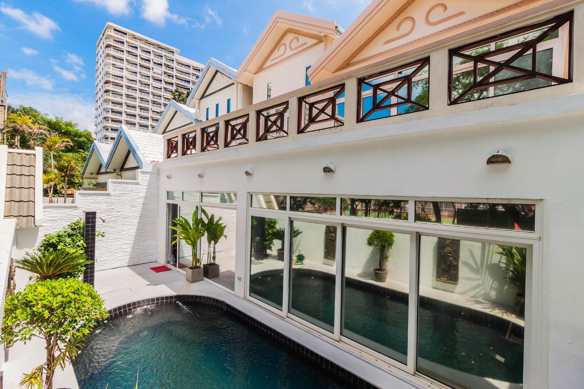 Jomtien Palace Pool Villa By Pattaya Sunny Rentals