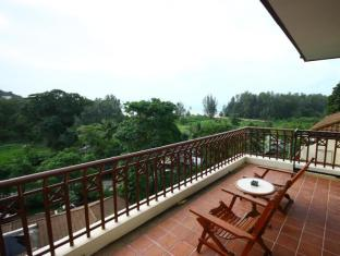 Phuket Nature Home Resort at Naiyang Beach Phuket - Balkon/Teras