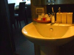 The Front Apartments Phuket - 1 Bedroom Deluxe-Bathroom