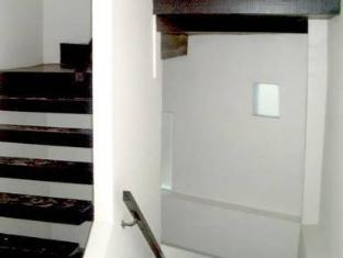 The Front Apartments Phuket - Stairs