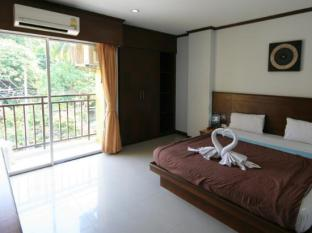 Asialoop Guesthouse Phuket - Guest Room