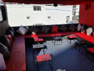 Asialoop Guesthouse Phuket - Coffee Shop/Cafe