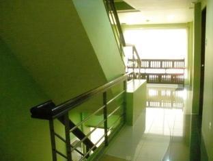 Isabel Suites Laoag - Hotel Hallway