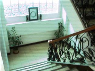Mira de Polaris Hotel Laoag - Staircase