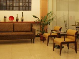 Mira de Polaris Hotel Laoag - Lobby