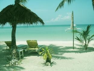 White Beach Bungalows Bantayan Island - Beach Lounges