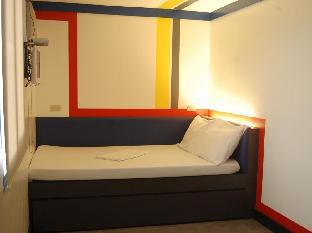 picture 2 of Hotel V