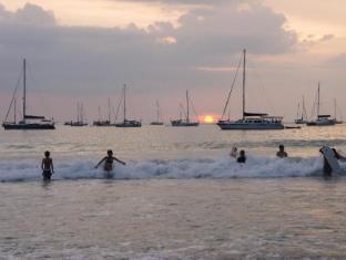Le Piman Resort Phuket - Közeli látványosságok