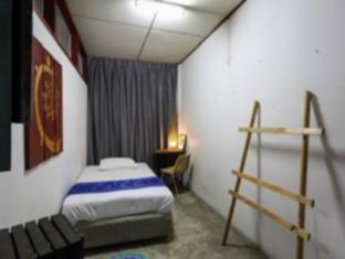 Phuket 43 Guesthouse Phuket - Guest Room