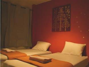 Patong Backpacker Hostel Phuket - Hotellihuone
