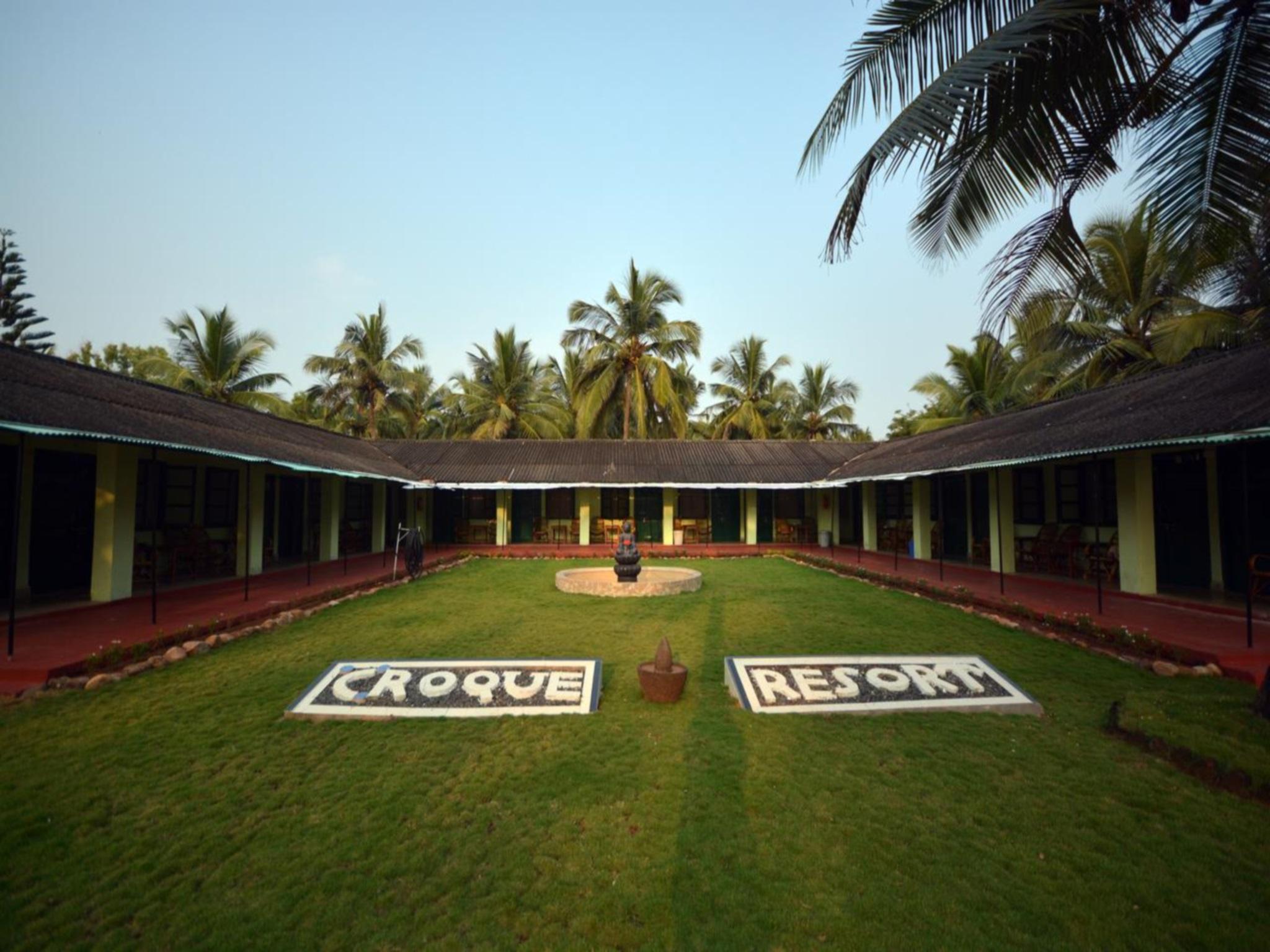 C Roque Resort