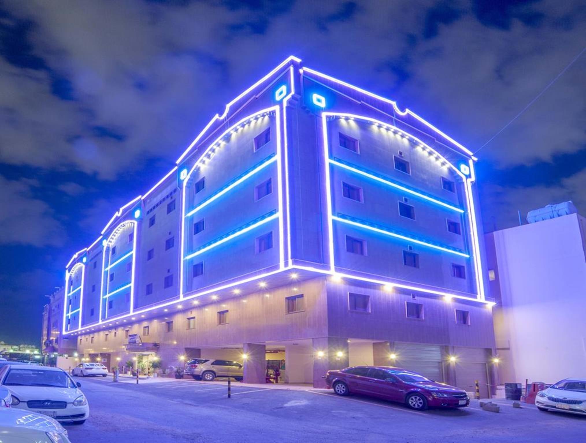 Al Ezzah Palace Hotel Suites