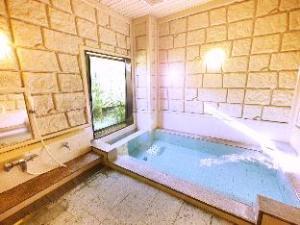 Hotel Route Inn Nagaizumi Numazu Inter 1