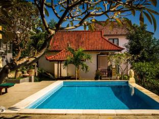 Beten Waru Bungalow and Restaurant Bali - Uima-allas