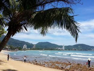 At Phuket Inn Patong Beach Phuket - Beach