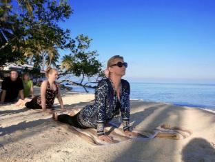 Whiteshell Beach Inn by Atoll Seven Maldives Islands - Beach Yoga
