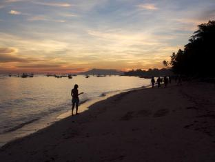Alona Vida Beach Resort Panglao Island - Sunset View