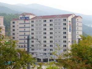 Goodstay HighValley Hotel