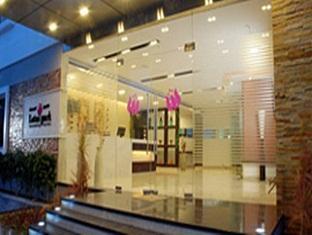 Lotus Park Hotel Bangalore - Hotel Entrance