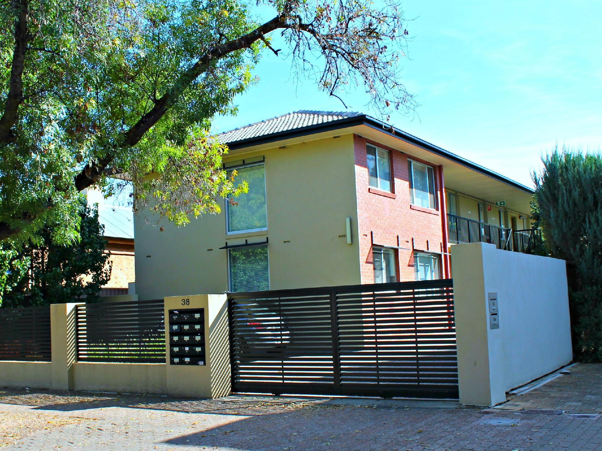 Childers Street � Adelaide DressCircle Apartments