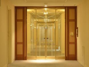 Imperial Hotel Tokyo Tokyo - Security door on each floor(main building)