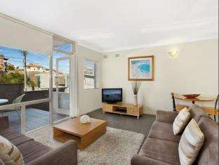 Manly Surfside Holiday Apartments Sydney - Upper Greycliffe