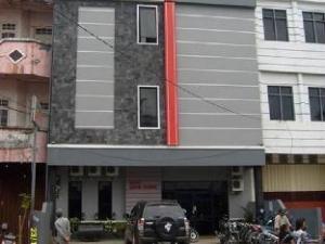 ホテル アジア バル (Hotel Asia Baru)