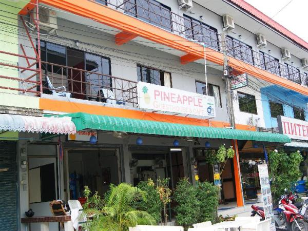 Pineapple Guesthouse Phuket