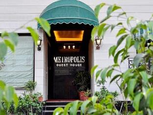 Metropolis Guest House New Delhi and NCR - Hotel Entrance