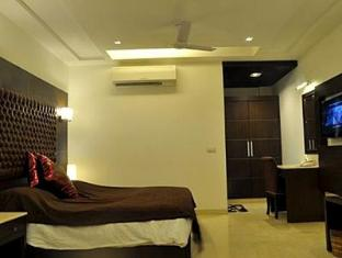 Metropolis Guest House New Delhi and NCR - Deluxe Room