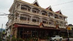 โรงแรมจำปา (Champa Hotel)
