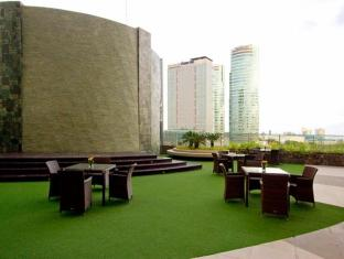 Acacia Hotel Manila Manila - View