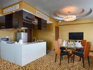 Acacia Hotel Manila Manila - Commerce Living Room