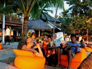 Ocean Vida Resort Malapascua Island - Beach bean bags
