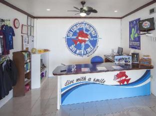 Ocean Vida Resort Malapascua Island - Sea Explorers dive shop