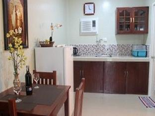 Alona Studios Hotel Panglao Island - Deluxe Pantry
