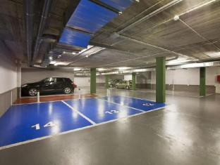 Sensation Sagrada Familia Apartments Barcelona - Parking Lot