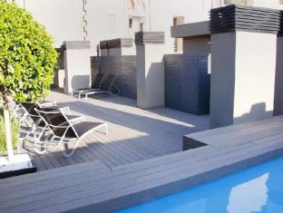 Sensation Sagrada Familia Apartments Barcelona - Swimming Pool