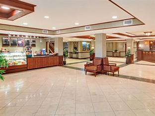 Wyndham Garden Hotel- Newark Airport Newark (NJ) - Lobby