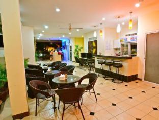 Squareone Phuket - Vestibule