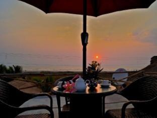 Morjim Breeze Resort North Goa - Restaurant