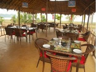 Morjim Breeze Resort North Goa - Restaurant
